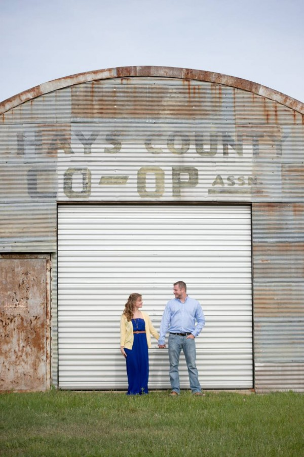 HighDot Studios - Lindsey and Ryan - Engagement Session - Wimberly - Montesino Ranch (4)