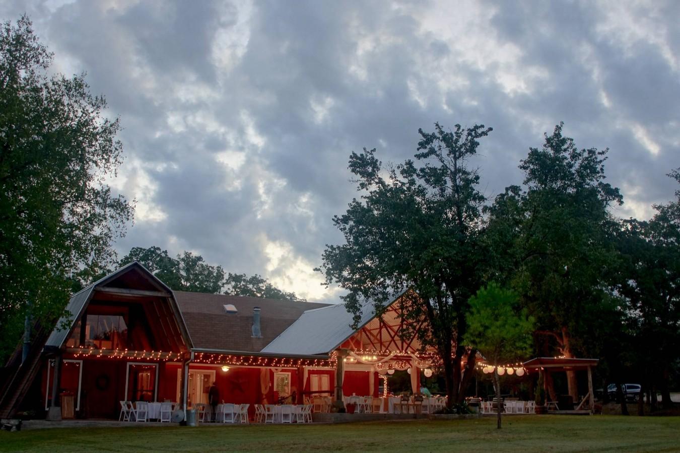 HighDot Studios - Wedding - Cedar Bend Events - Austin - Hanna and Steven (4)