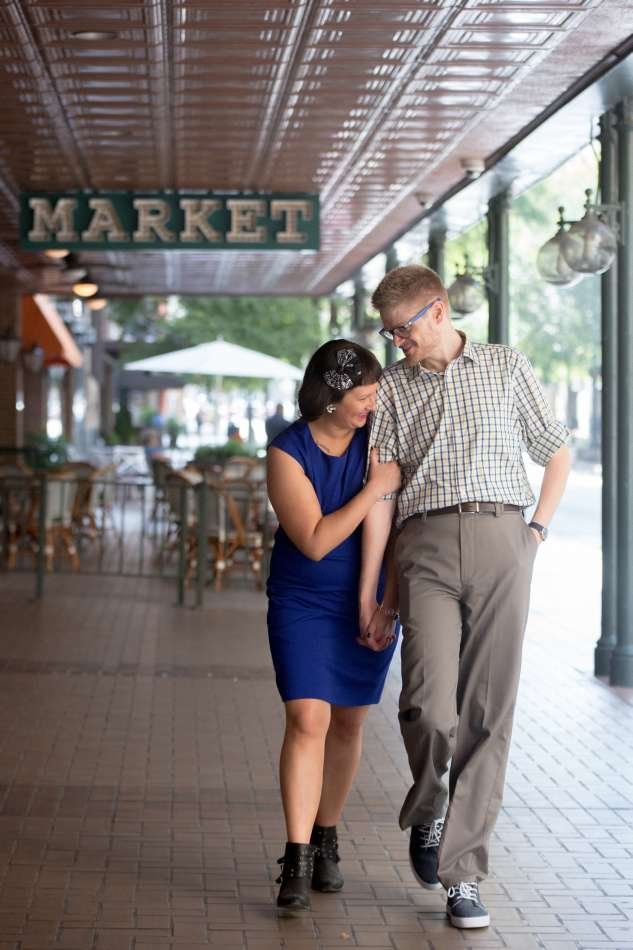 HighDot Studios - Sarah and Zach - Engagement Session - San Antonio - Riverwalk - San Antonio Zoo (12)