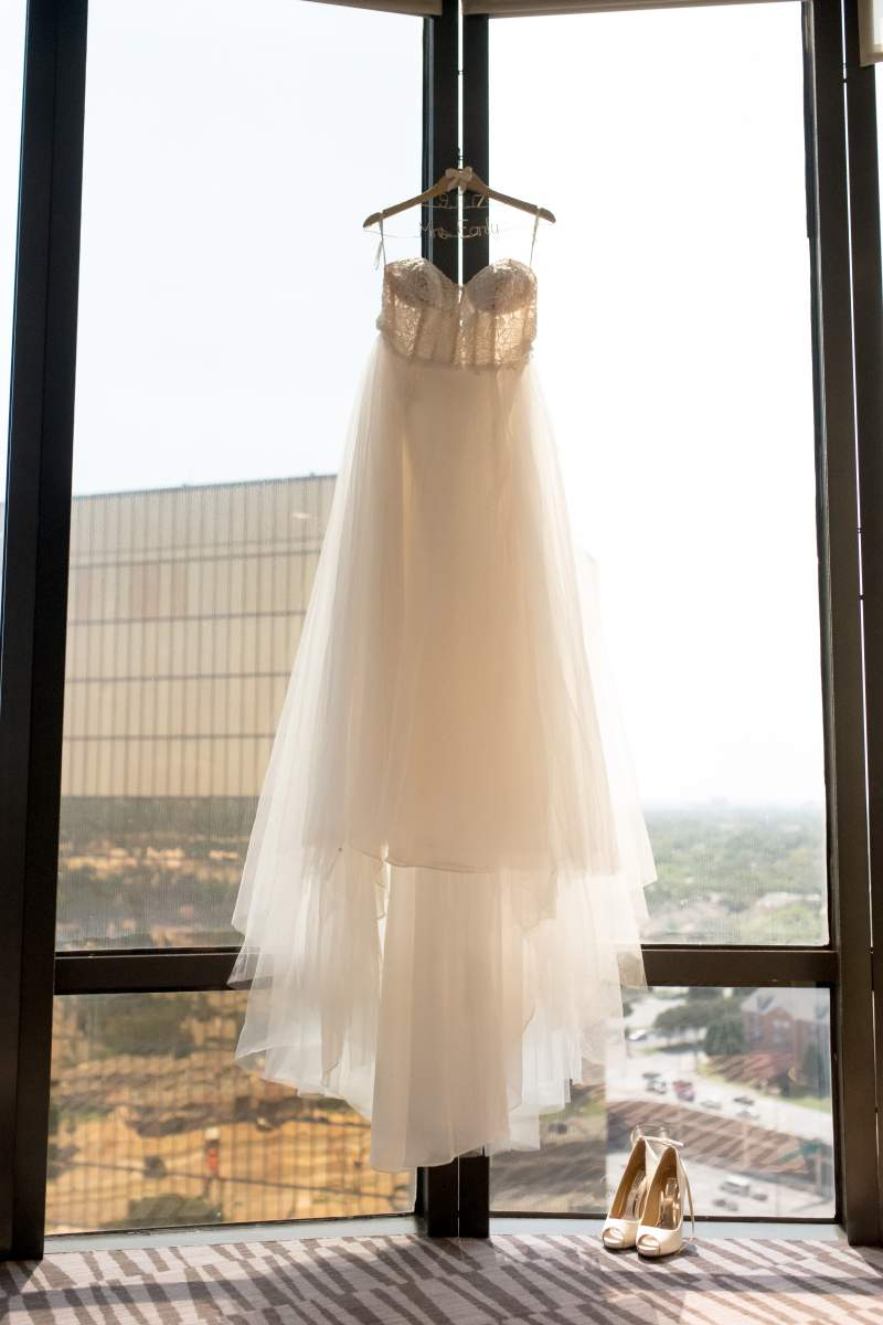 Shelly + Brandon - Wedding Photography - HighDot Studios - Dallas (1)