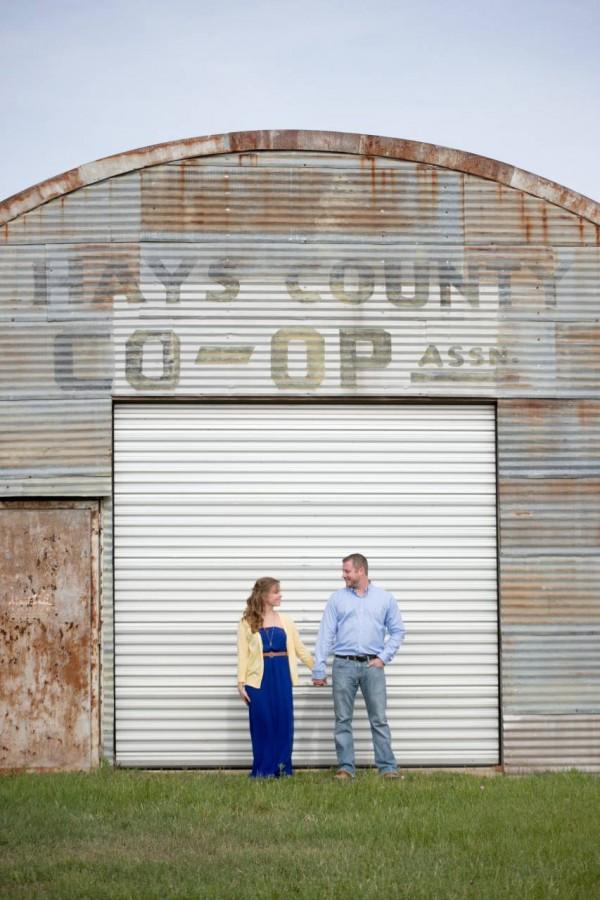 HighDot Studios - Lindsey and Ryan - Engagement Session - Wimberly - Montesino Ranch (4)