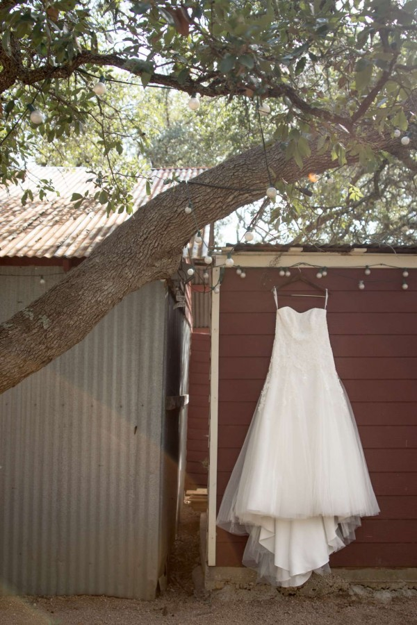 HighDot Studios - Wedding - Wildflower Barn - Austin - Kristy and Tom (3)
