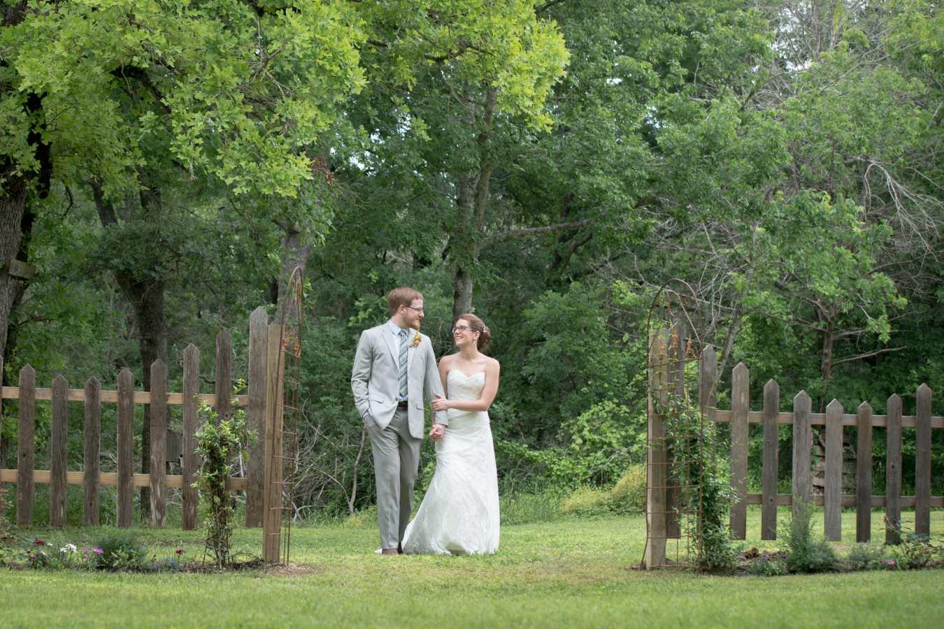 HighDot-Studios-Wedding-Cedar-Bend-Event-Center -Austin-Kim and Mike (42)