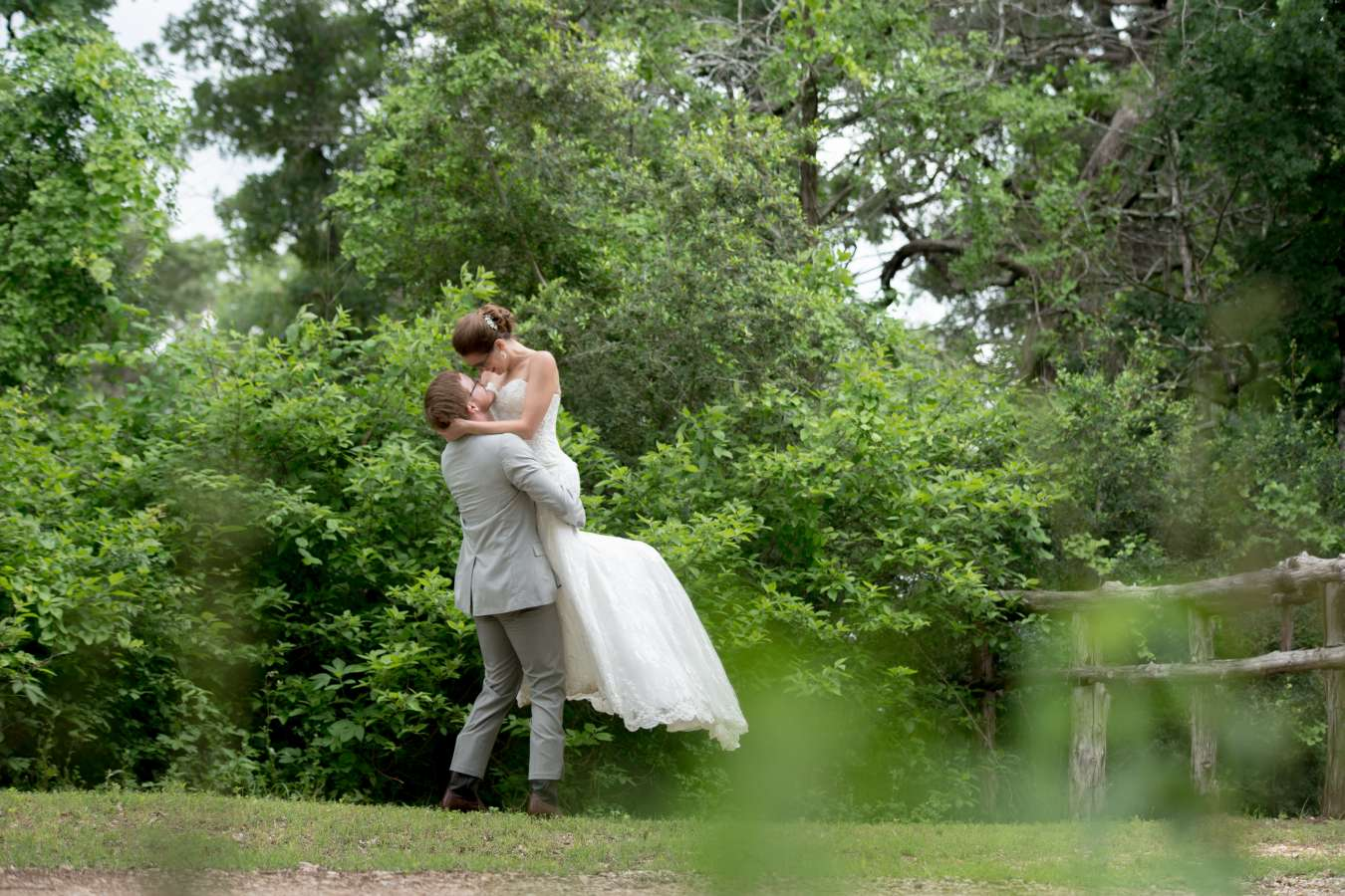 HighDot-Studios-Wedding-Cedar-Bend-Event-Center -Austin-Kim and Mike (44)