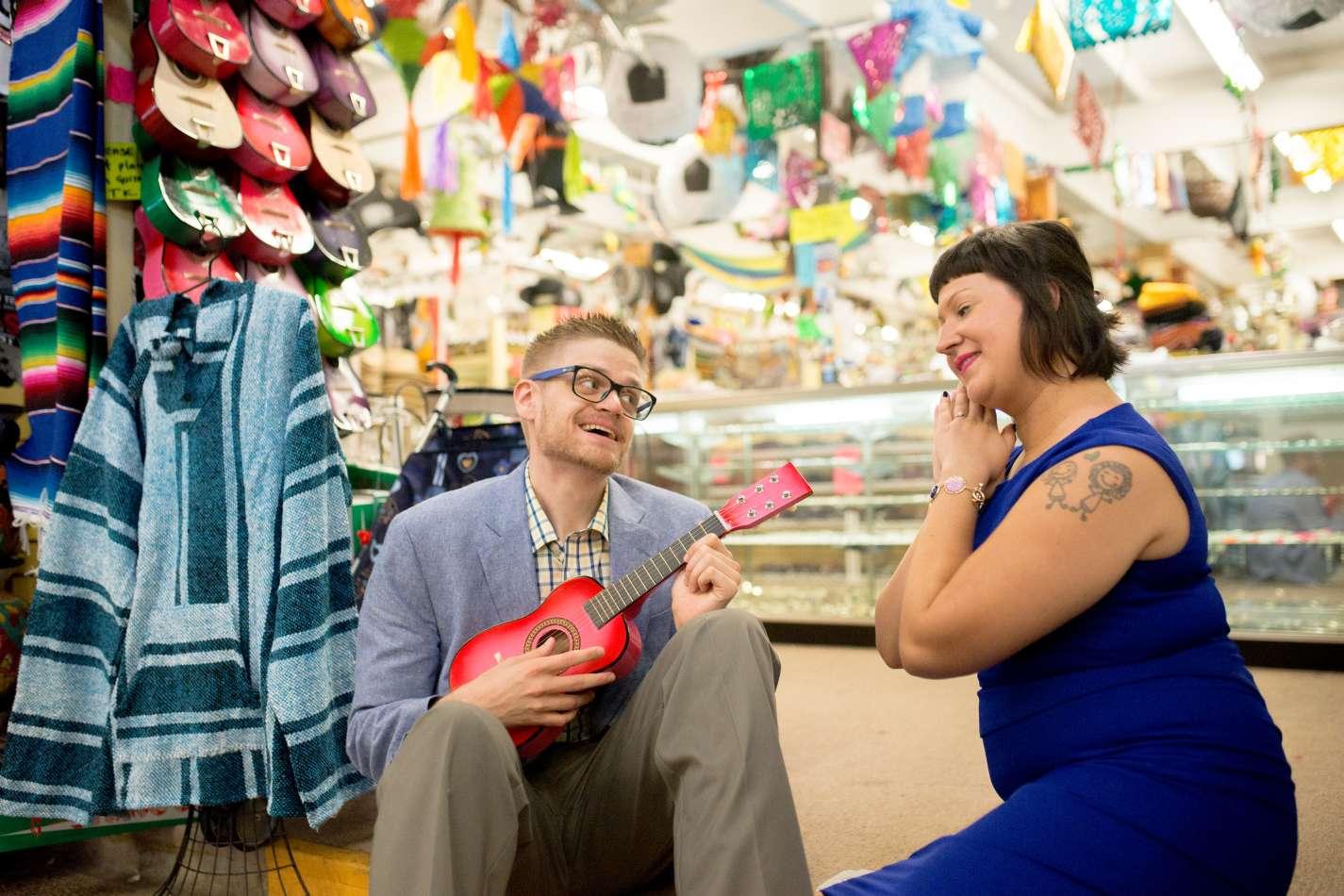 HighDot Studios - Sarah and Zach - Engagement Session - San Antonio - Riverwalk - San Antonio Zoo (16)