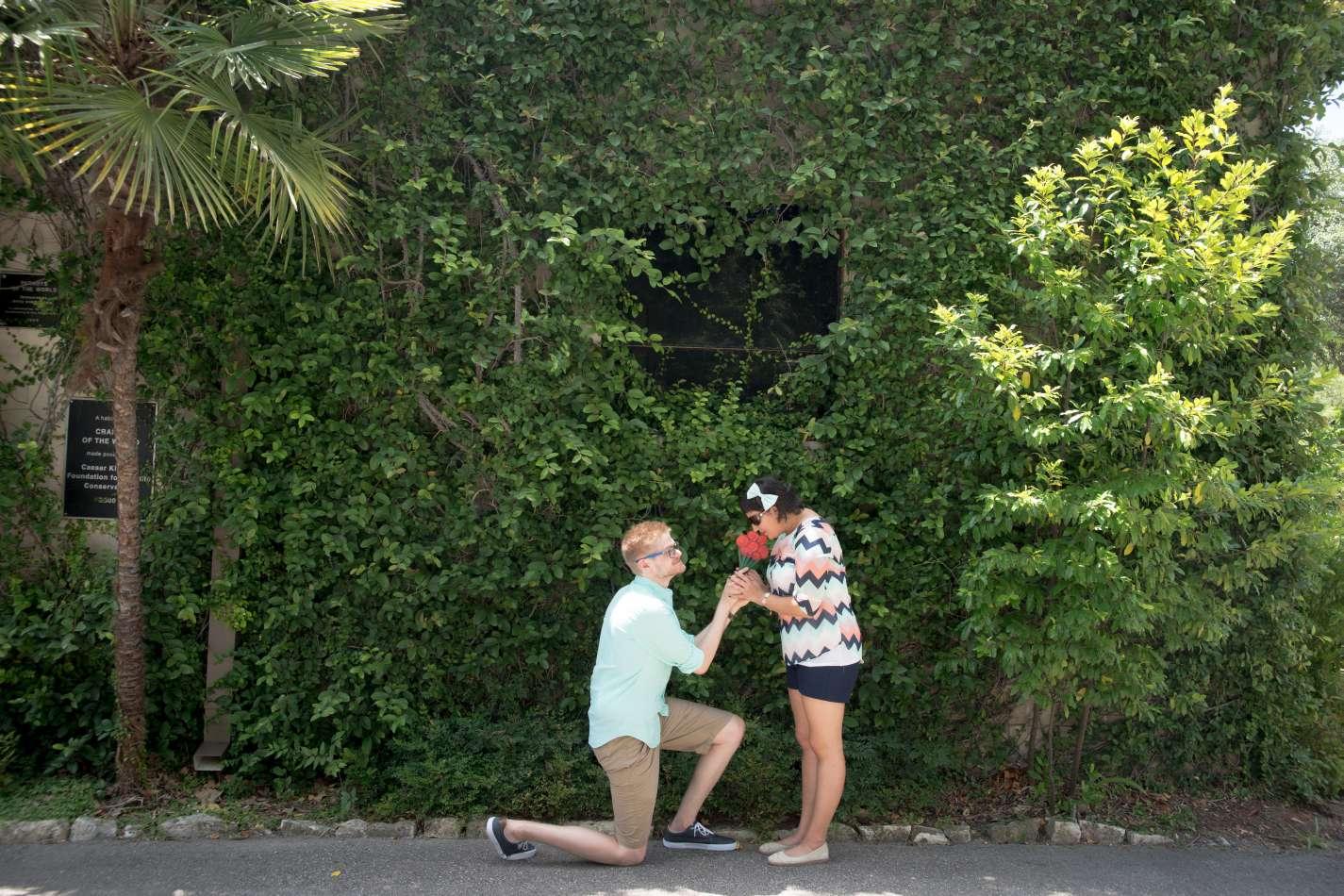 HighDot Studios - Sarah and Zach - Engagement Session - San Antonio - Riverwalk - San Antonio Zoo (20)