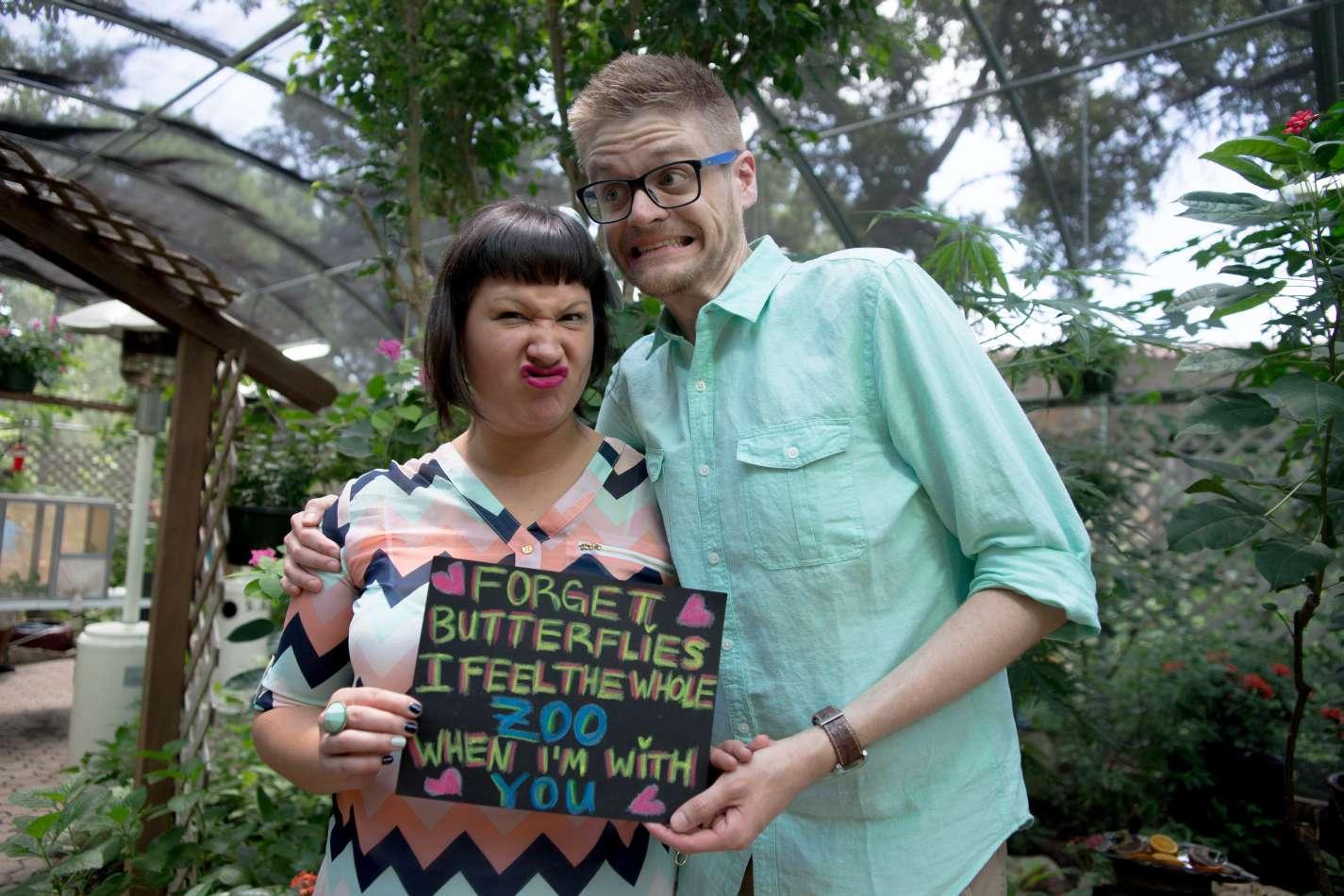 HighDot Studios - Sarah and Zach - Engagement Session - San Antonio - Riverwalk - San Antonio Zoo (22)