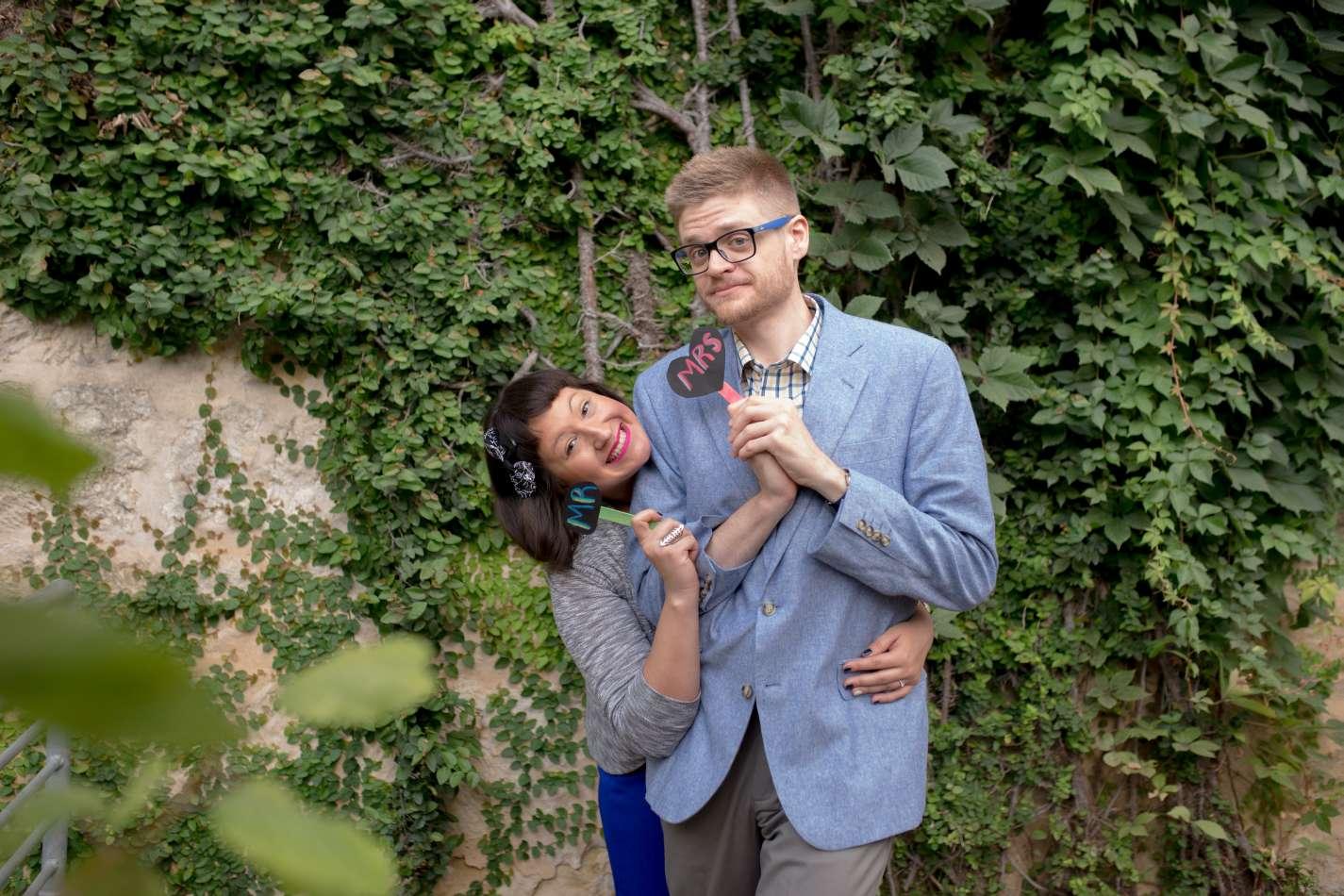 HighDot Studios - Sarah and Zach - Engagement Session - San Antonio - Riverwalk - San Antonio Zoo (4)