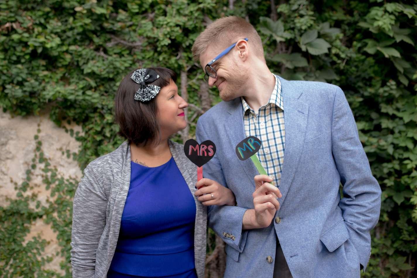 HighDot Studios - Sarah and Zach - Engagement Session - San Antonio - Riverwalk - San Antonio Zoo (5)