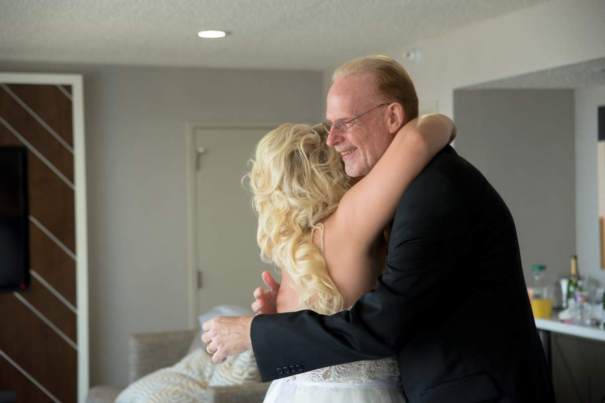 Shelly + Brandon - Wedding Photography - HighDot Studios - Dallas (16)