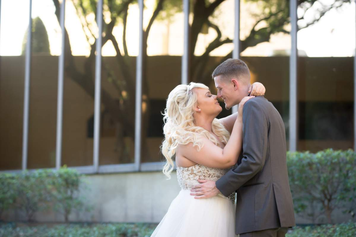 Shelly + Brandon - Wedding Photography - HighDot Studios - Dallas (29)